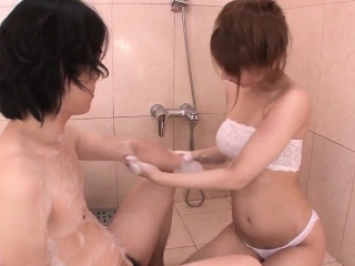 Tiara Ayase factory Hawkshaw in the bathroom while on cam
